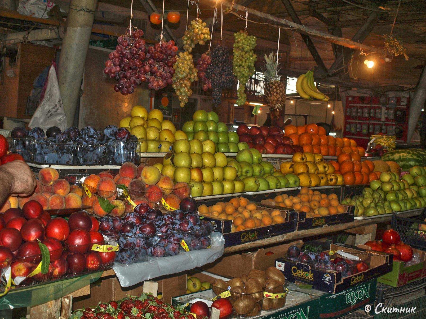Плодове на пазара в Кутаиси