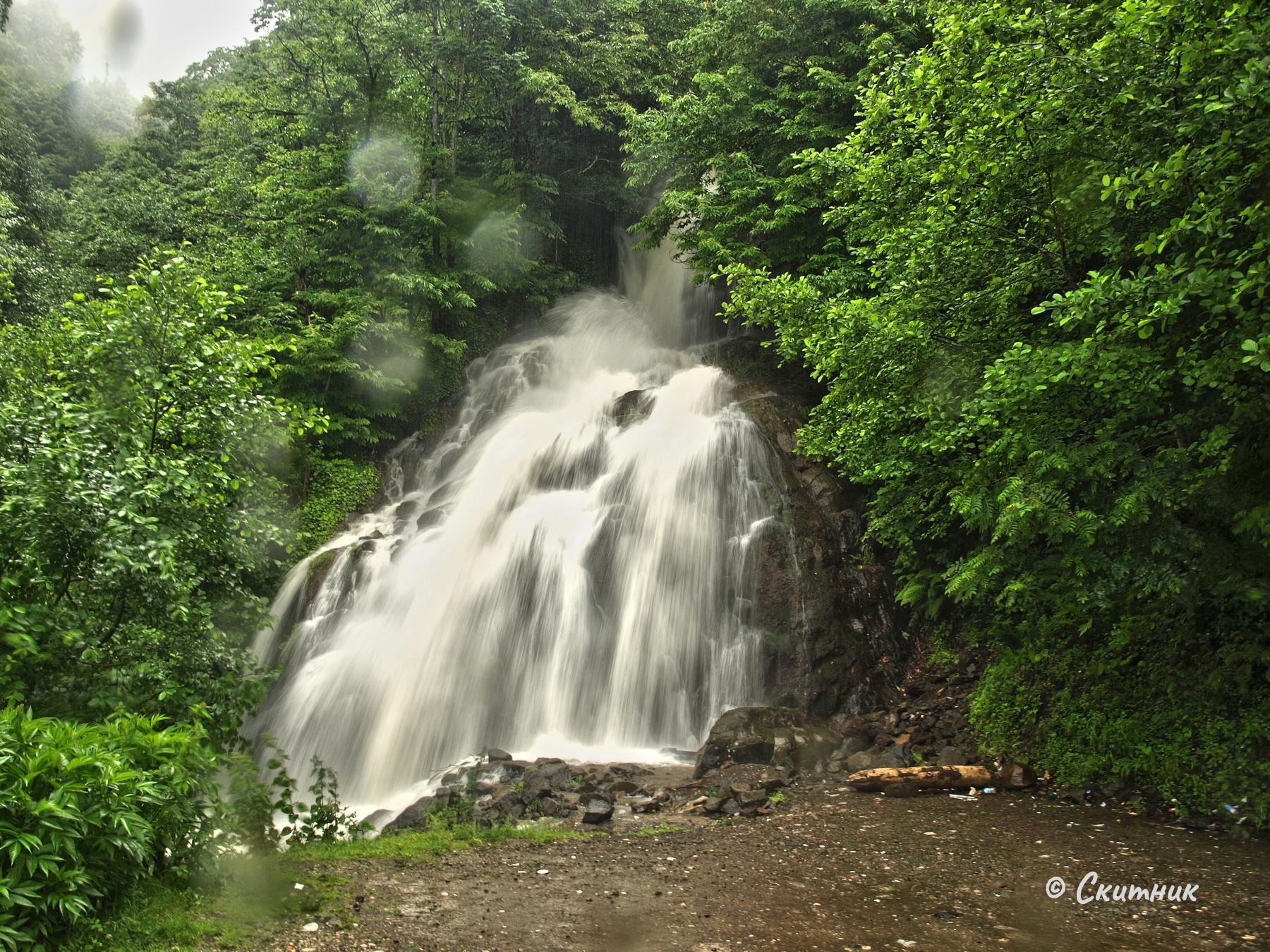 Водопад до Енгури